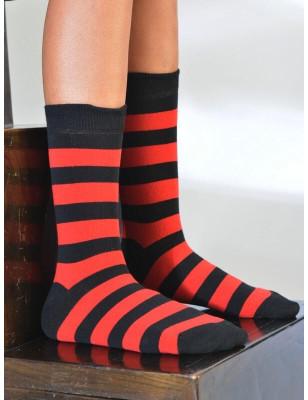 Chaussettes rayures rouges et noires