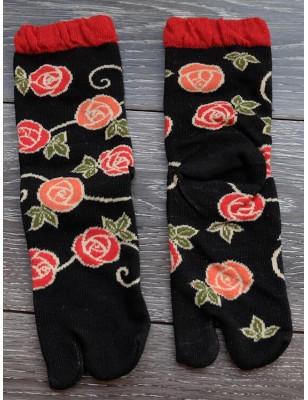 Chaussettes Japonaises noires coton fleuris à laçage