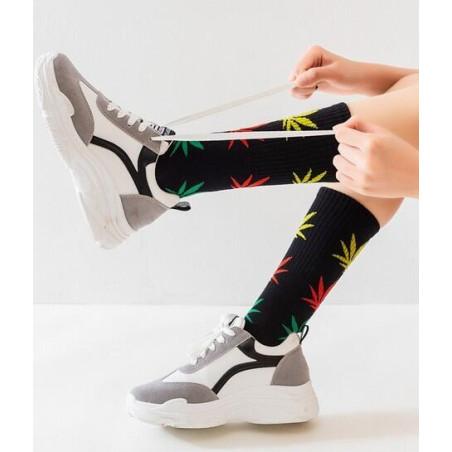 chaussettes feuilles de cannabis