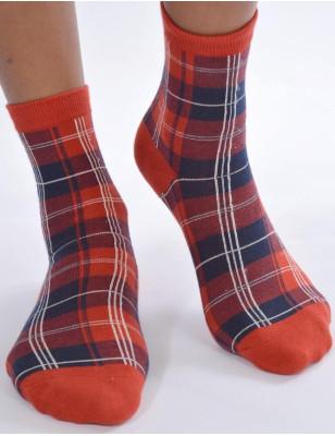 Chaussettes rouges carreaux ecossais