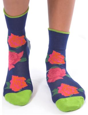 Jolies chaussettes fin d'ecosse Bethe aux grands pieds Roses fleuries