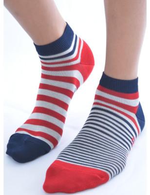 Socquettes berthe aux grands pieds rayures asymétriques Berthe